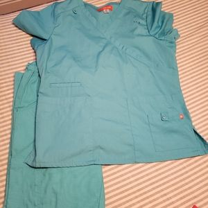 Multiples Other - Scrubs bundle  ..6 pairs